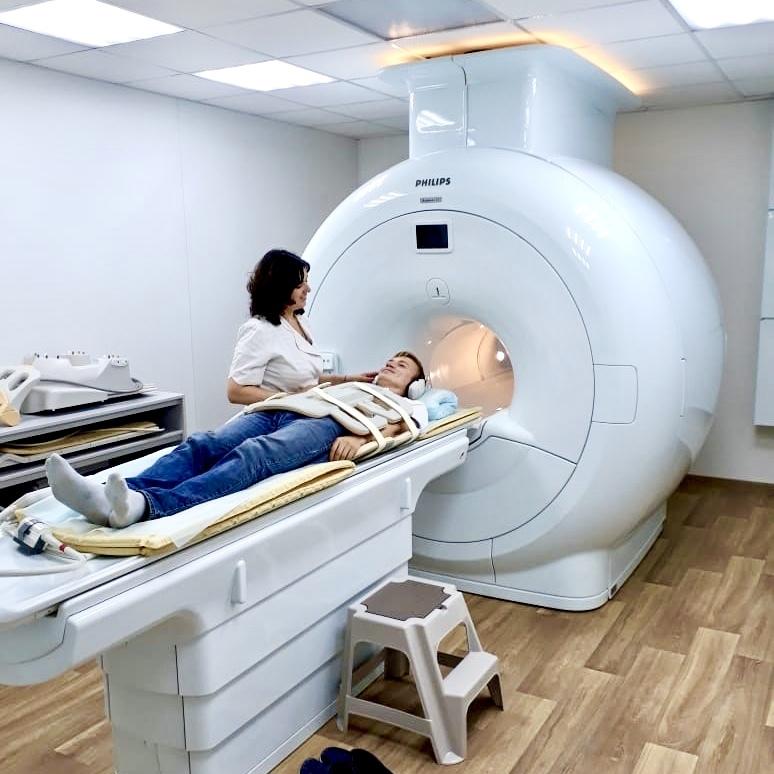 Комплексное магнитно-резонансное обследование спины